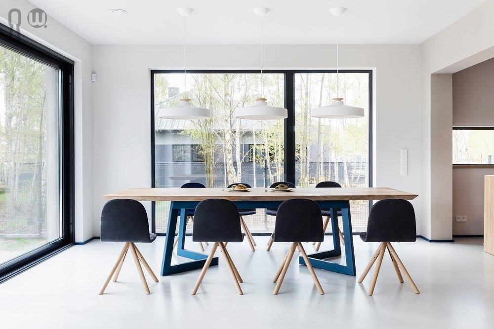 Krzesła Iker Manekin - Stół Antonio od Hoom