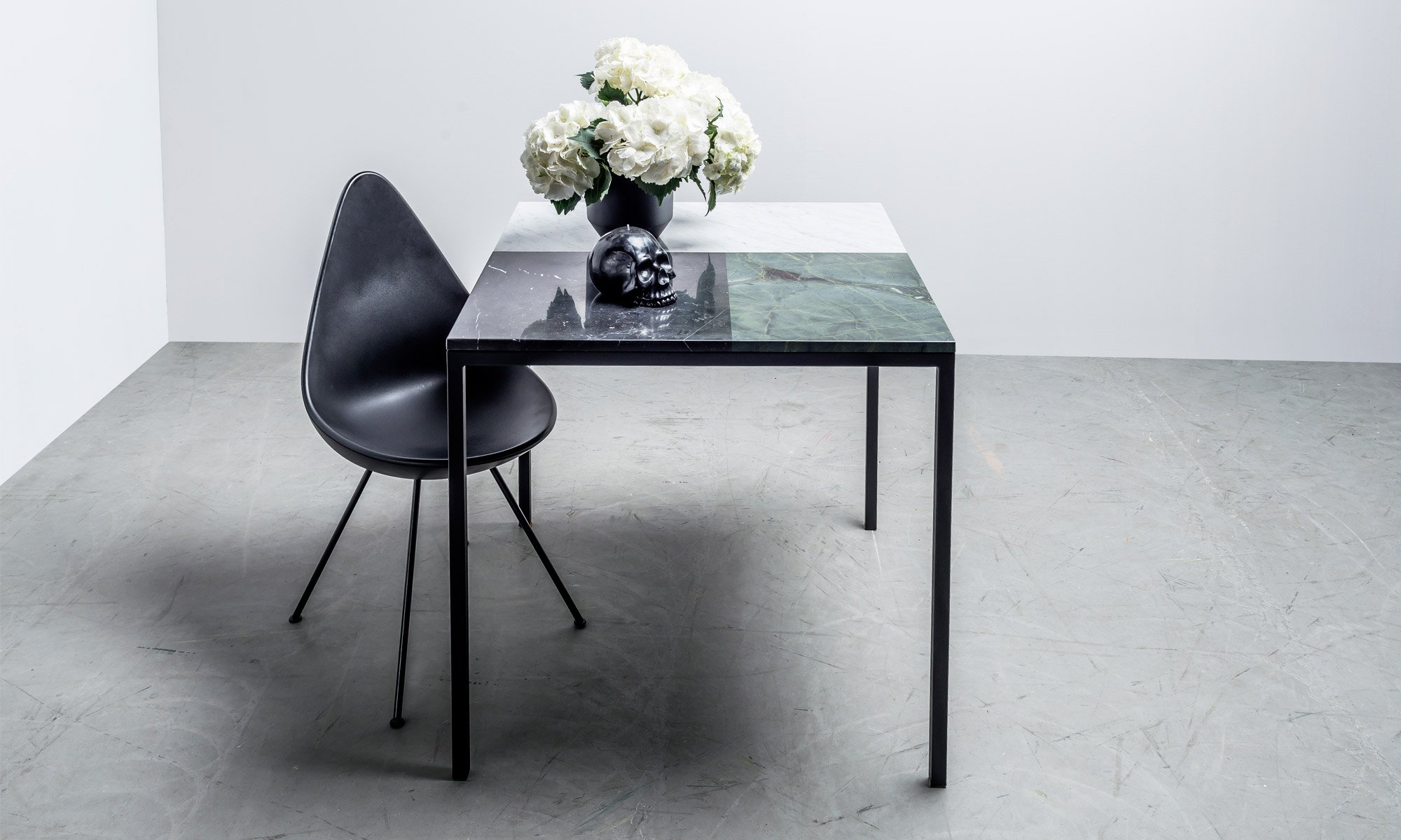 Square, Modern table with marble top - Margaret table from Hoom