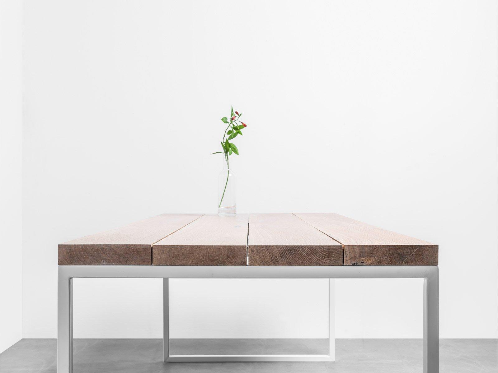 Minimalistyczny stół z drewna dębowego. Stół Helen od Hoom