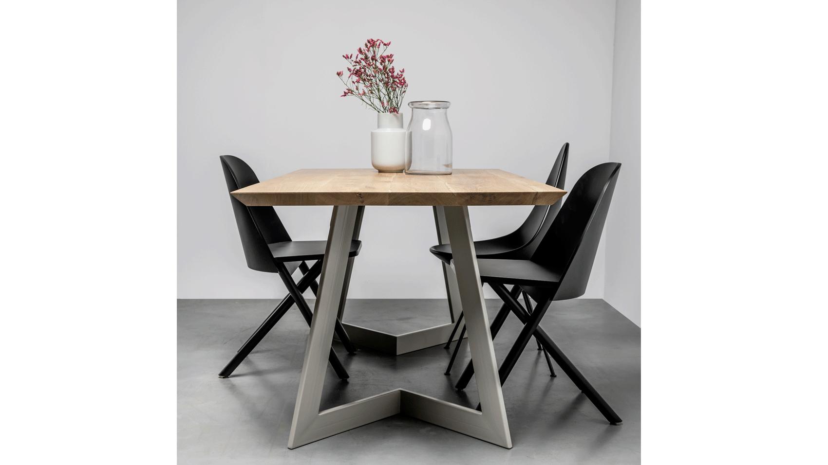 Nowoczesny stol Antonio od Hoom