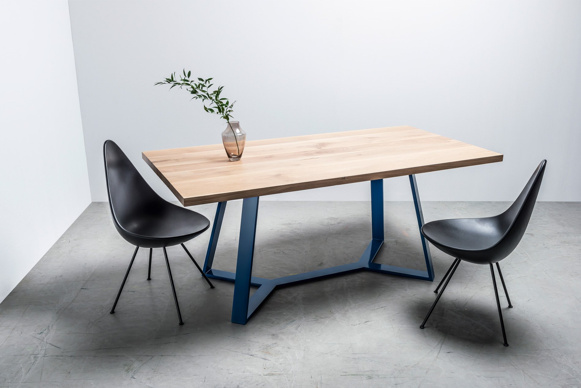 Stół-Y–głowne