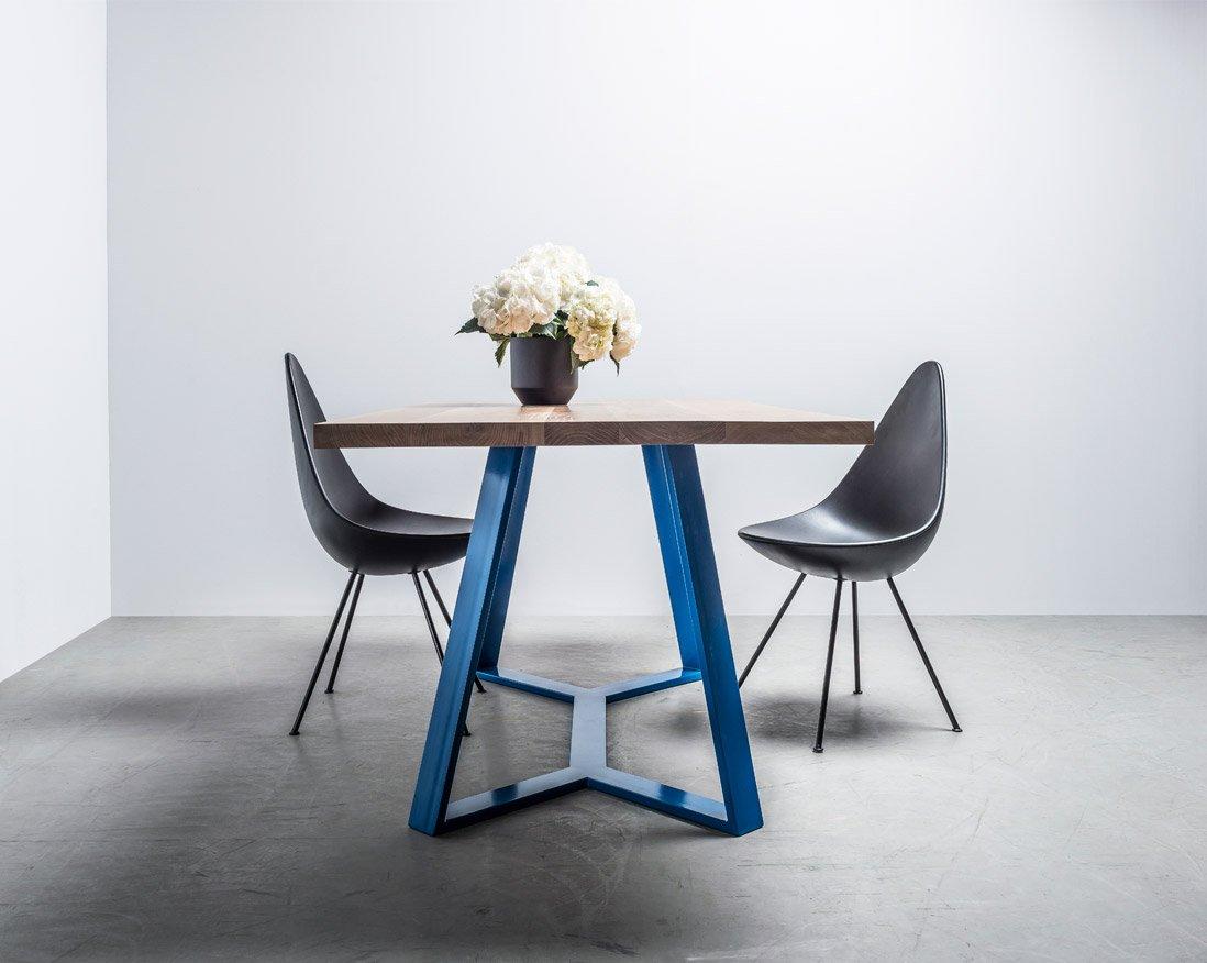 Loftowy dębowy stół do jadalni - stół Y od Hoom