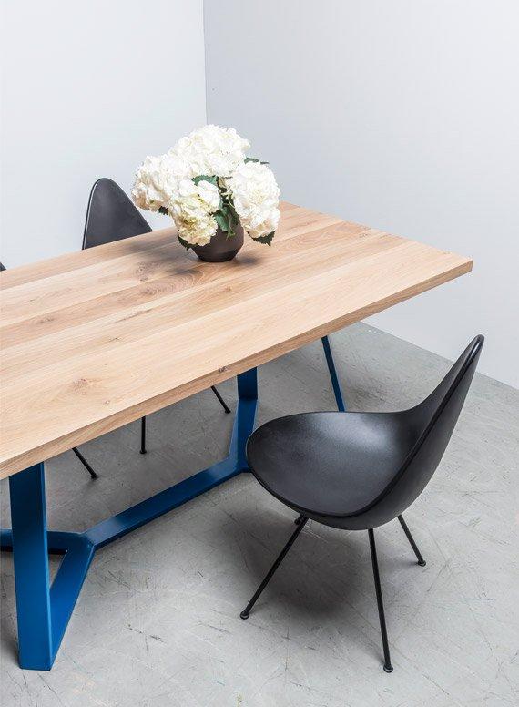 Stół do loftu cały z drewna dębowego - stół Y od Hoom
