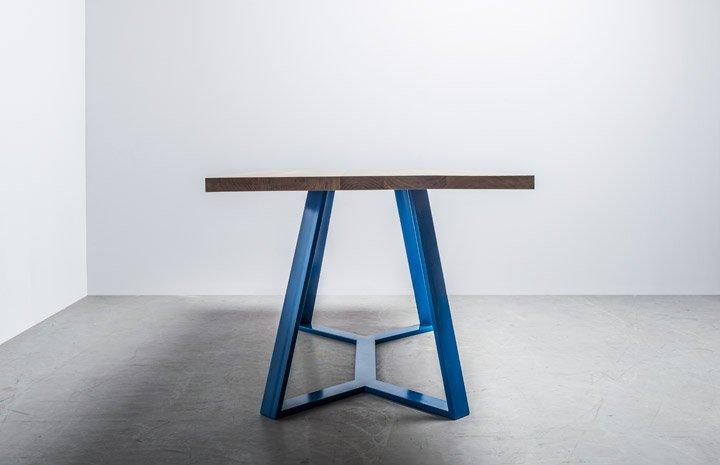 Oryginalny Loftowy stół Y od polskiej marki Hoom