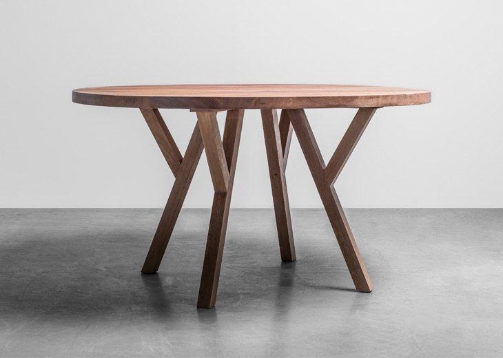 Okrągły stół z litego drewna do jadalni - Stół Gloria od Hoom