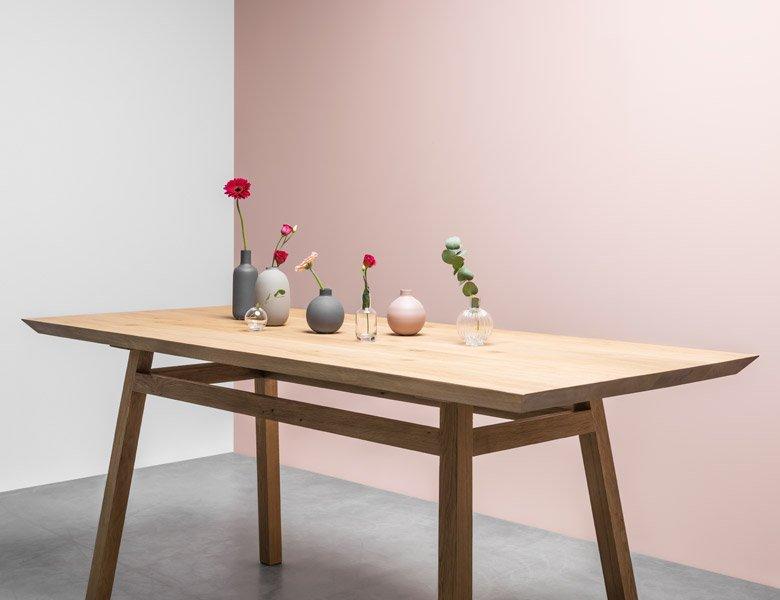 Stół w stylu skandynawskim, ręcznie robiony, cały z litego drewna dębowego - Stół George od Hoom