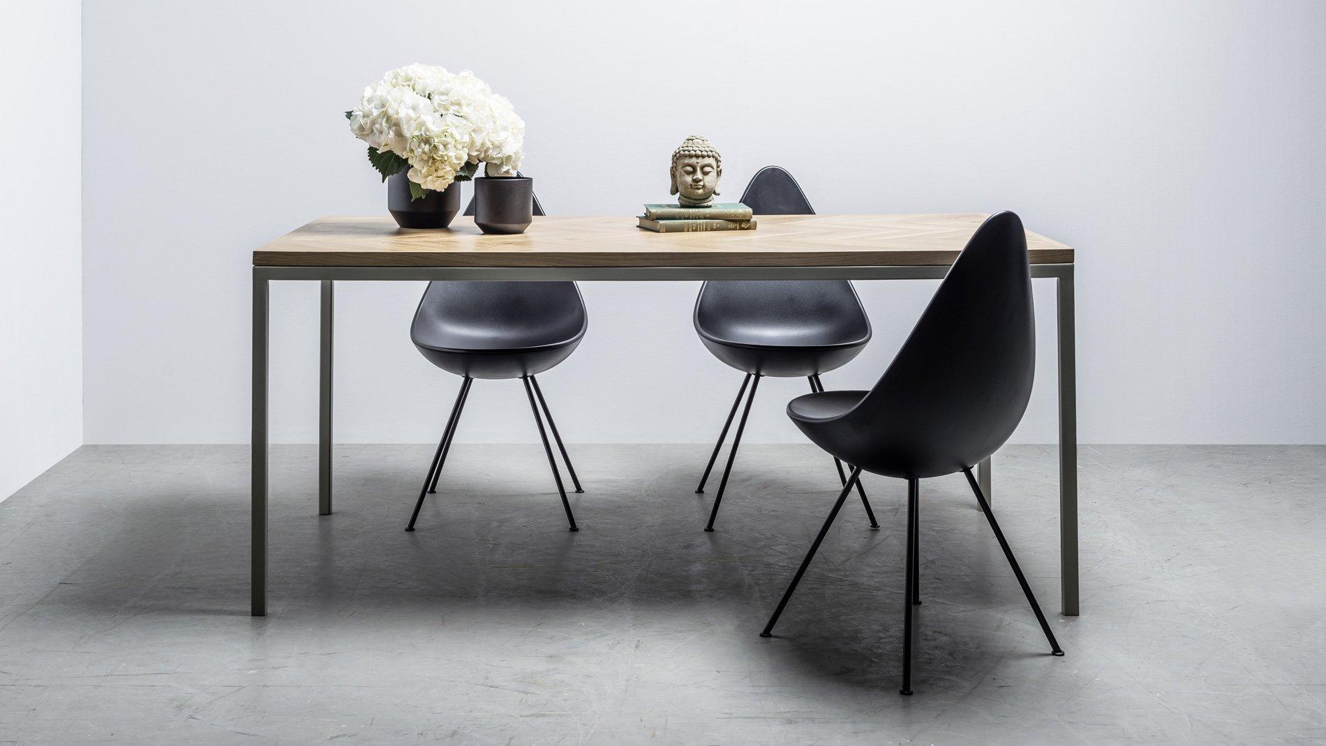 Elegancki stół do jadalni Hoom