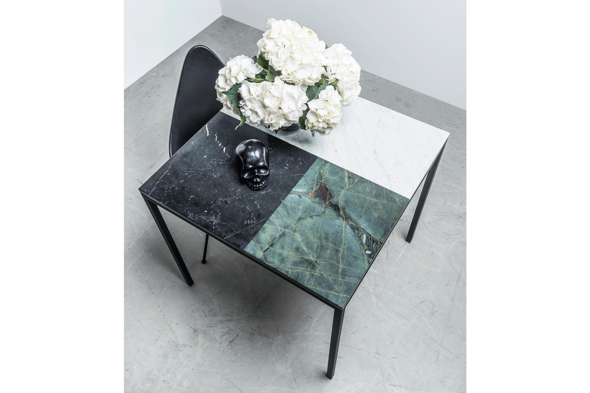 Kwadratowy Stół z marmuru do jadalni - Stół Margaret od Hoom