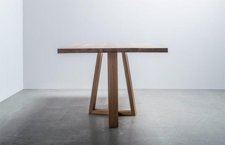 Stół w stylu skandynawskim wykonany w całości i z drewna dębowego - Stół Diamond od Hoom