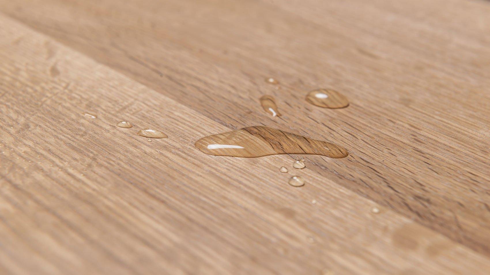 Jak impregnować blat stołu? Olej czy lakier czy olejowosk? Baza wiedzy Hoom