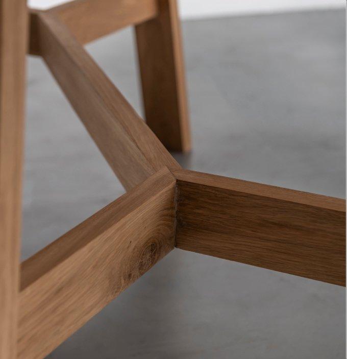 Debowy-stol-od-Hoom