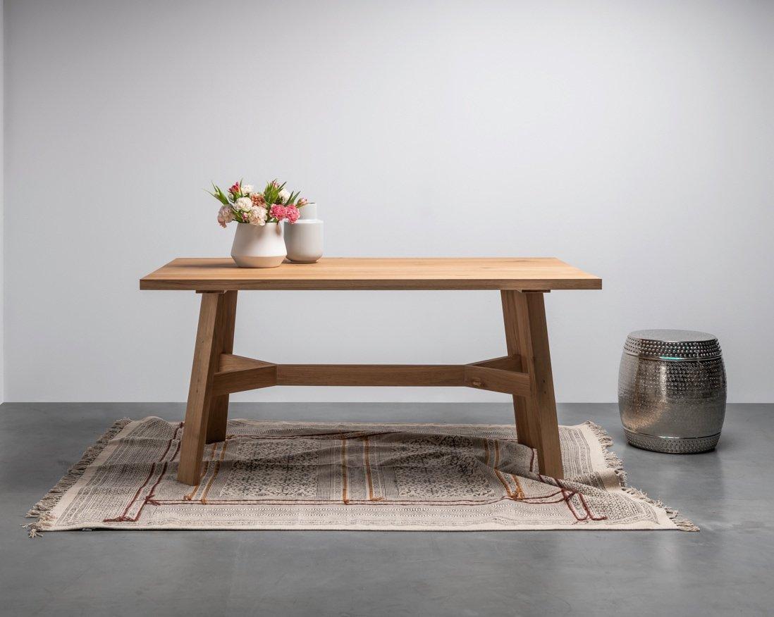 Stół w stylu skandynawskim od Hoom