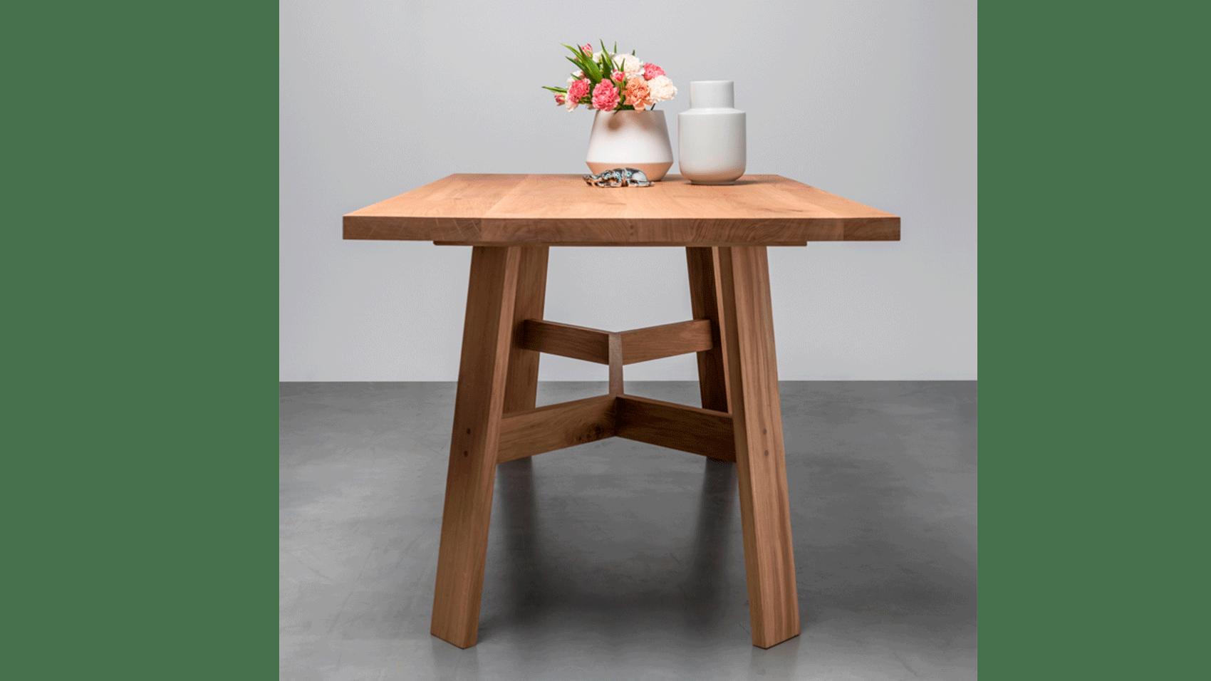 Stół-Anne-od-Hoom