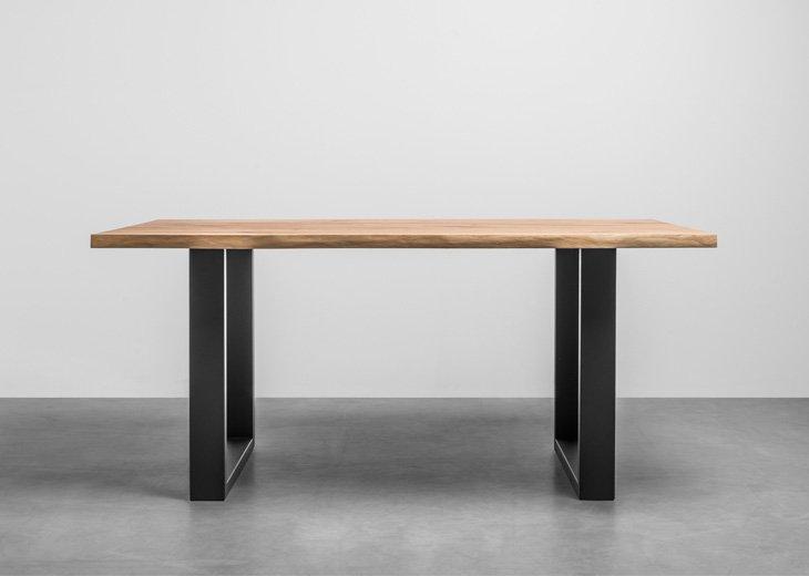 Dębowy stół do jadalni wykonany z drewna dębowego z naturalnymi krawędziami - Stół Pablo od Hoom