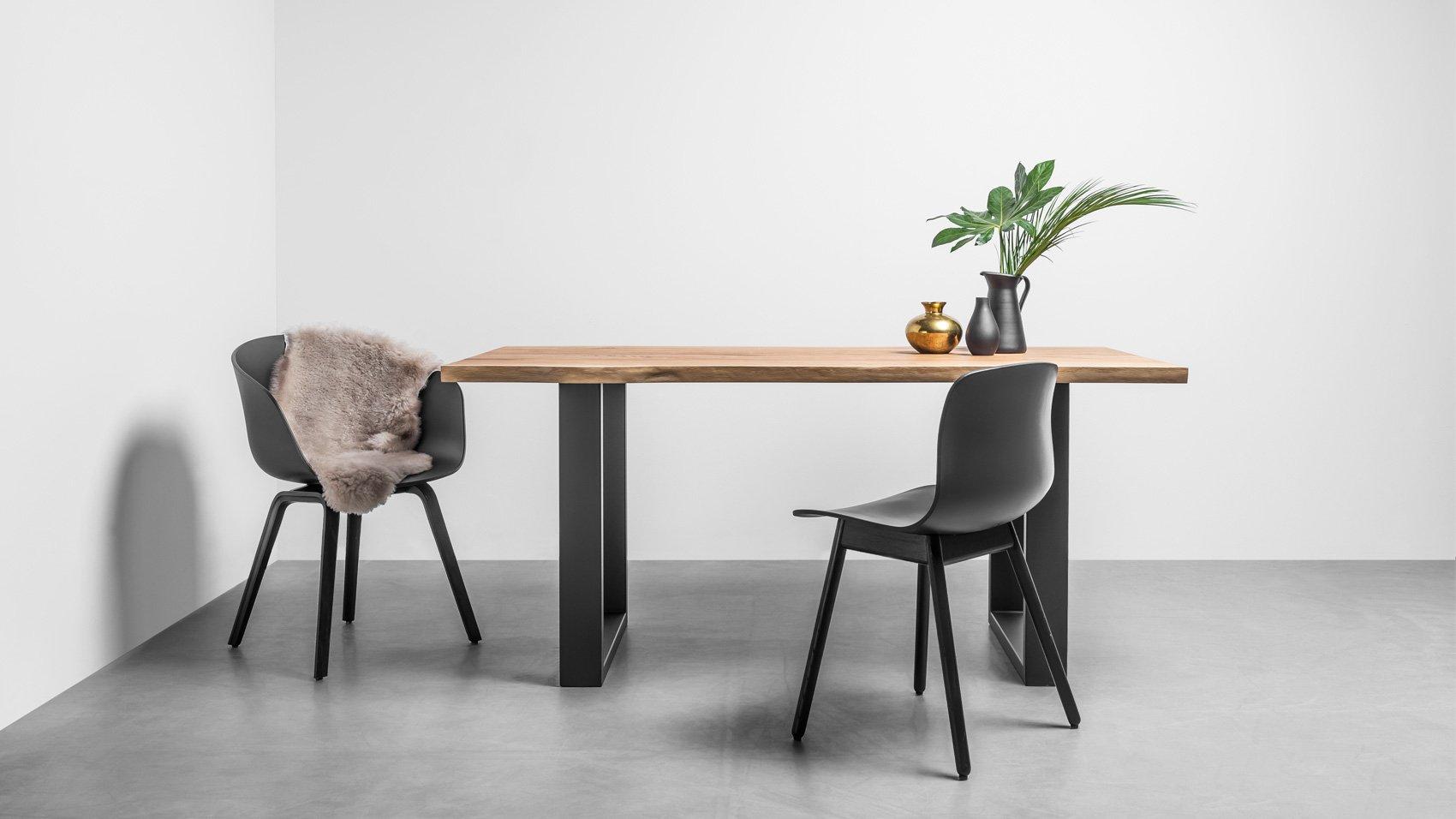Dębowy stół na zamówienie do jadalni z litego drewna dębowego z naturalnymi krawędziami. Stół Pablo od Hoom