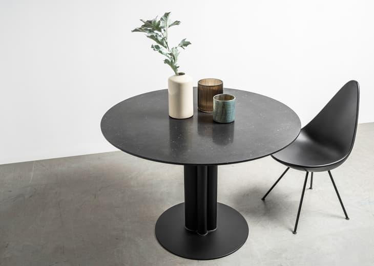 Okrągły marmurowy stół do restauracji - Stół Moon od Hoom