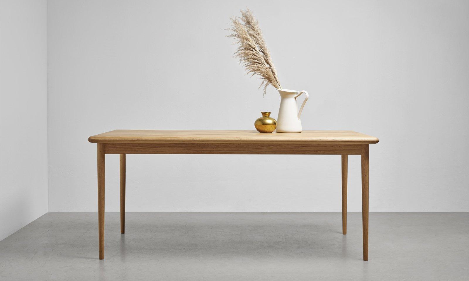 drewniany stol od hoom olivia