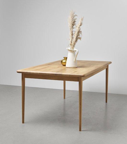 drewniany stol z litego drewna debowego